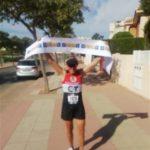 Carlos Ortiz Garcia Vaso del Club Cuatro Santos finaliza la Maraton de Boston 2