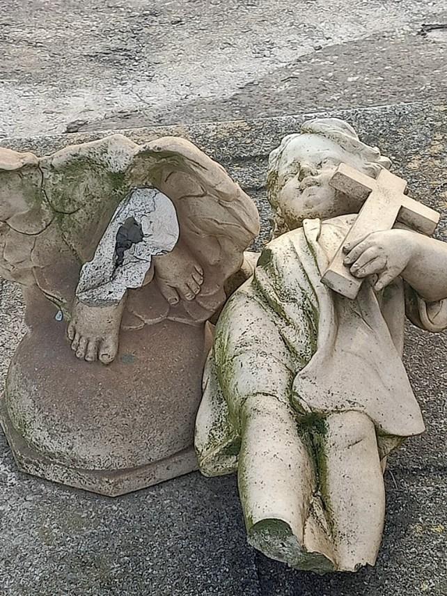 escultura cementerio 3